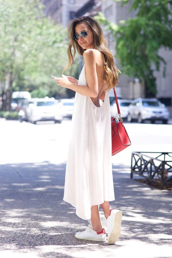 How to wear white sneakers in summer | Sourced from http://stylecaster.com/