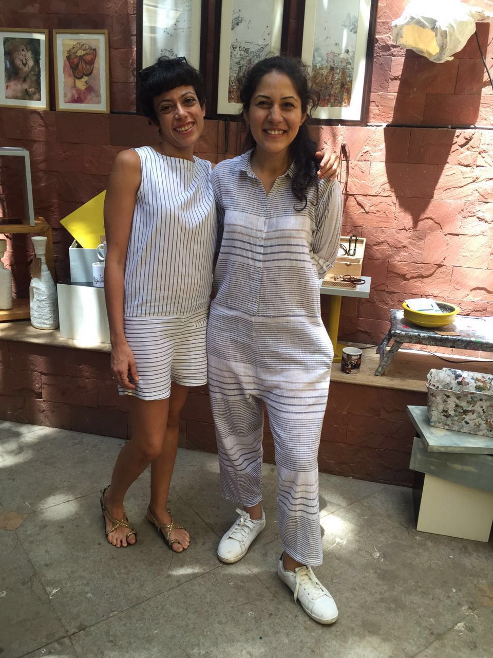 Ratna Gupta and Pallavi Dhyani pose in front of the RESTORIES stall. RESTORIES is Artist Ratna Gupta's pet project. As the name RESTORIES suggests, she upcycles ordinary everyday objects and converts them into stylish extraordinary designs for your home.