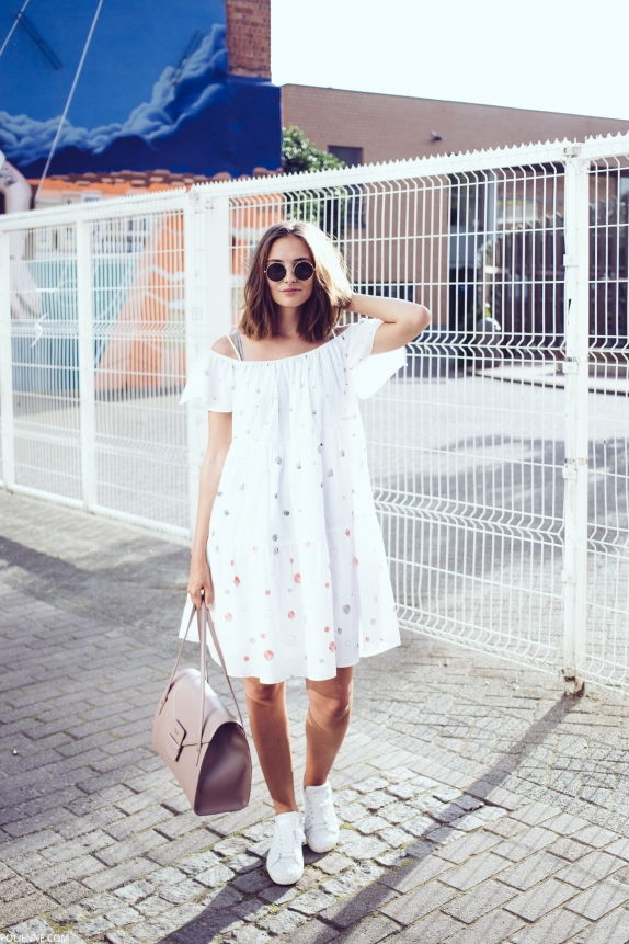 How to wear an off-shoulder flowing frock with white sneakers | Chai High is an Indian Fashion Blog started by Shivani Krishan