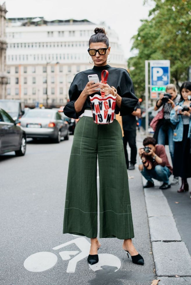 GREEN FLARED PANTS | PARIS FASHION WEEK STREET STYLE 2016 | VOGUE UK | CHAI HIGH IS AN INDIAN FASHION BLOG STARTED BY SHIVANI KRISHAN
