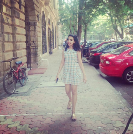 In a gingham mini dress and gold kolhapuri slippers | Chai High is an Indian Fashion Blog started by Shivani Krishan