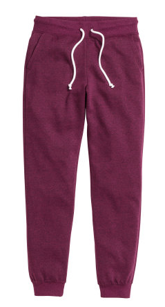 Plum coloured H&M Trackpants for a News Year Eve spent cuddling under a blanket at home | Chai High is an Indian Fashion Blog started by Shivani Krishan